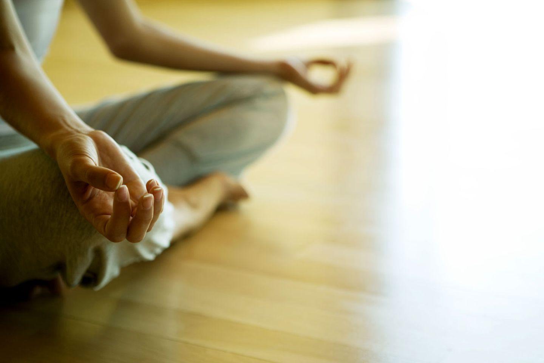 Entspannungs-Übungen helfen bei Schlafstörungen