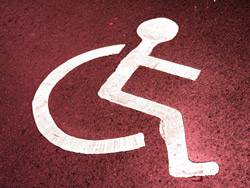 Angst vor Schmutz: Eine Vermietern hat einen windeltragenden Behinderten mitsamt seiner Familie aus dem Haus geworfen