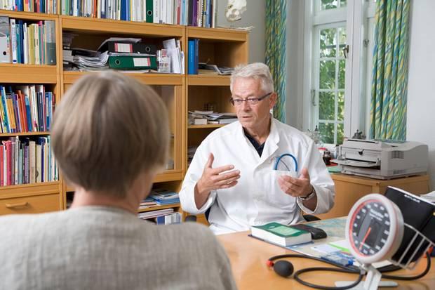 Der Arzt sollte sich Zeit für Sie nehmen und aufmerksam zuhören
