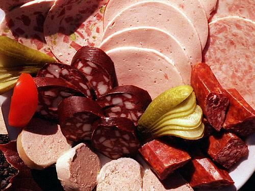Schlechte Nachricht für Wurst-Fans: Rotes Fleisch erhöht das Magen- und Dickdarmkrebs-Risiko