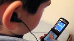 Das Handy als Jukebox - deutsche Mobilfunkkunden nutzen ihr Handy am liebsten auch zum Musik hören