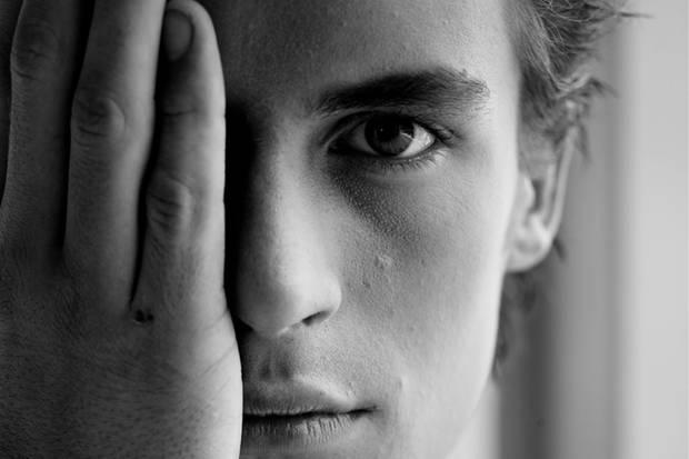 Halb wach, halb lahm: Im Schlaf arbeiten Hirn und Körper scheinbar paradox