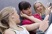 Viele Jugendliche gefährden durch lautes Musikhören über Kopfhörer ihre Gesundheit