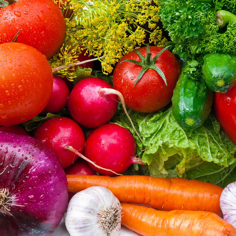 Abnehmen, indem Sie nur Salat essen