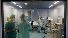 Der Blick in einen Operationssaal