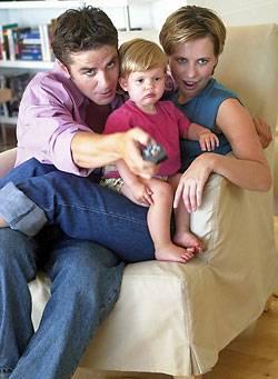 """Fern sehende Familie: """"Schon Kleinkinder werden oft vor dem Fernseher geparkt. Das ist verheerend!"""""""