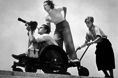 Leni Riefenstahl, ihr Chefkameramann Walter Frentz und ein Helfer bei den Dreharbeiten zu dem Olympia-Zweiteiler 1936