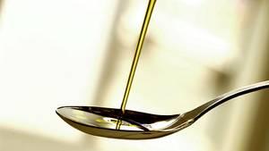 Olivenöl soll dazu beitragen, den HDL-Wert im Blut zu erhöhen - doch dieser schützt nicht alle Menschen vor Herzerkrankungen
