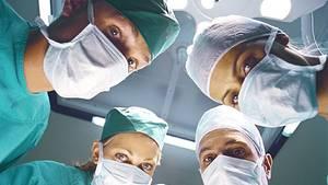 Böse Überraschungen auf dem OP-Tisch will niemand erleben. Patienten möchten vorher wissen, ob sie in ein gutes Krankenhaus gehen. Ein bundesweiter Klinikführer soll mehr Transparenz bringen