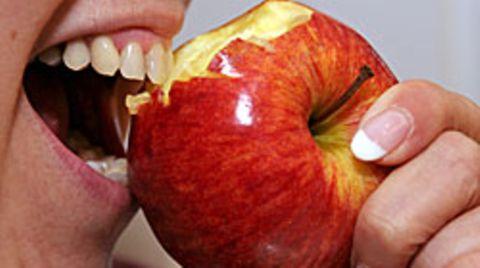 Ein kraftvolles Zubeißen dank gesunder Zähne