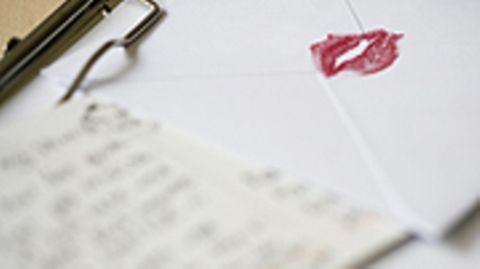Liebe kennt keine Grenzen: Der Anwalt schickte seiner Angebetenen hunderte Briefe