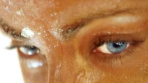 Schweiß schützt den Körper davor, zu überhitzen