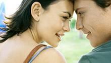 Psychologen untersuchten, wie sich flirten auf eine bestehende Partnerschaft auswirkt