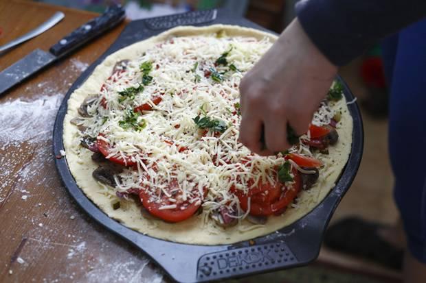 Echter Käse? Vielleicht kommt auch nur ein Pflanzenfett-Mix auf die Pizza