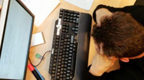Lehrer-Mobbing im Netz: Ein Verhaltenscodex soll gemeinsam mit Schülern und Lehrern erarbeitet werden