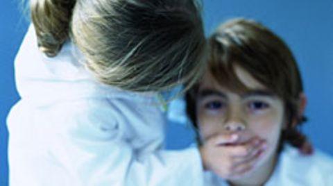 3000 Kinder unter 16 Jahre verlieren in Deutschland jährlich ihre Sprache - durch Schaganfälle, Tumore oder Schädel-Hirn-Traumata