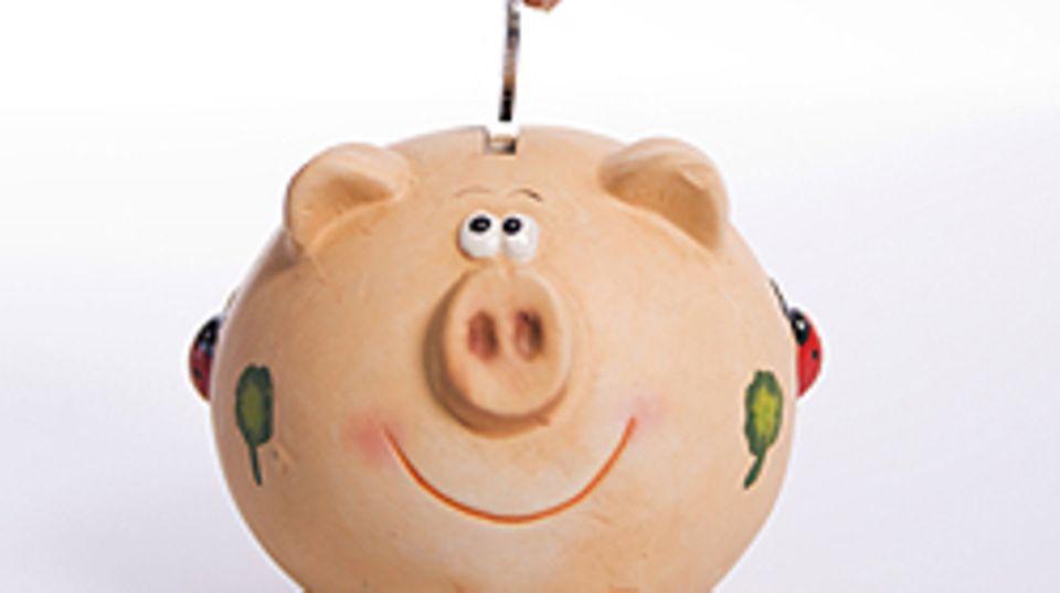 Da schmunzelt das Sparschwein: Mit Tagesgeldkonten kommen Sie auch kurzfristig an Ihr Erspartes