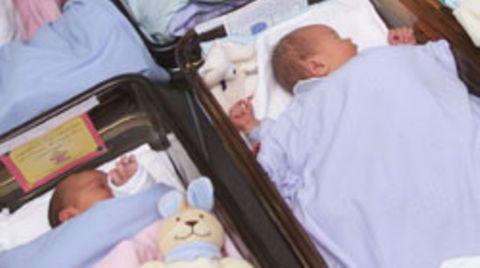 Zwei Babys (hier nicht im Bild) sind kurz nach der Geburt vertauscht worden, DNA-Tests sollen den Fall aufklären