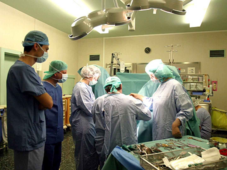 OPs könnten unblutiger werden, wenn Chirurgen mehr natürliche Körperöffnungen nutzen