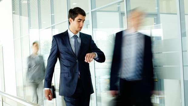 Im Büro gilt eine gewisse Etikette, ein paar Mode-Grundregeln erleichtern das Einhalten