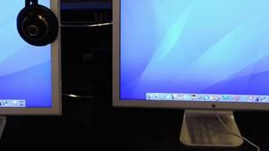Man sollte auch bei flachen Monitoren nicht zu nah dran sitzen