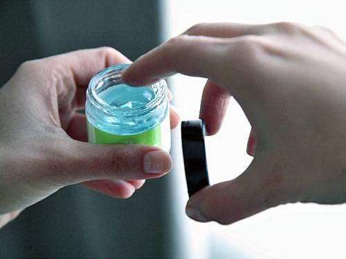 Chemiecocktail Hautcreme: Komplizierte Namen sorgen für Unbehagen