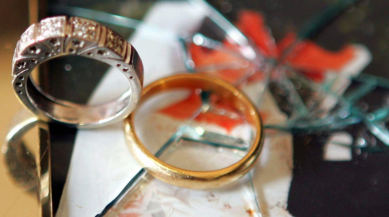 Jede zweite Ehe endet vor dem Scheidungsrichter. Unser Ratgeber hilft Ihnen durch diese schwere Zeit
