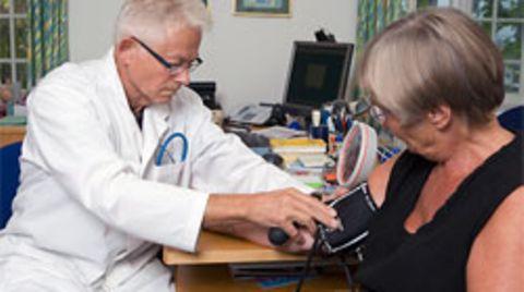 18 Millionen Kassenpatienten werden inzwischen laut einer Umfrage bei einem Arztbesuch Zusatzleistungen angeboten