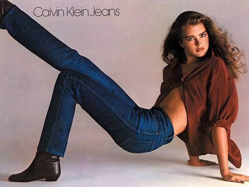 """""""Nichts kommt zwischen mich und meine Calvins"""" - mit dieser Aussage sorgte die damals 15-jährige Brooke Shields in den Siebzigern für einen Sturm der Entrüstung"""