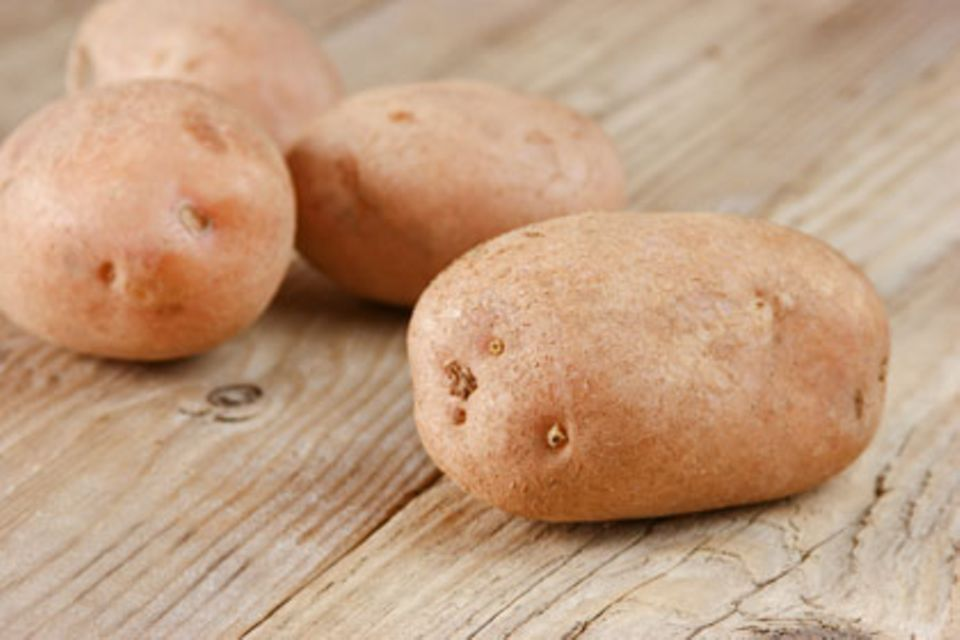 Kaum Kartoffeln: Metabolic balance ist eine Variante der Low-Carb-Diäten, bei denen wenig Kohlenhydrate gegessen werden sollen