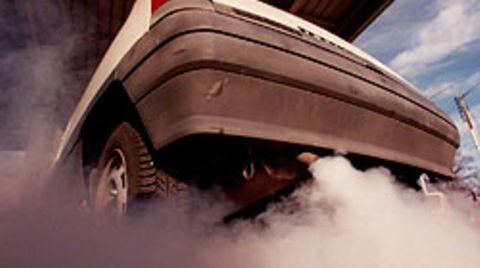 2009 soll die Kfz-Steuer nach dem CO2-Ausstoß berechnet werden. Sie gilt jedoch nur für Neuwagen