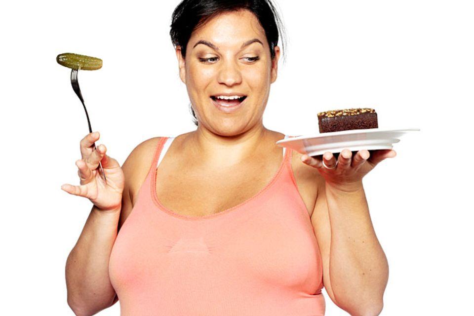 Machen Sie während Ihrer Schwangerschaft keine Diät. Es besteht sonst die Gefahr, dass Ihr Kind nicht alle Nährstoffe bekommt, die es braucht.