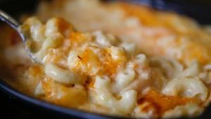 """""""Macaroni and Cheese"""" - ein beliebtes Gericht aus den USA und so einfach in der Herstellung"""