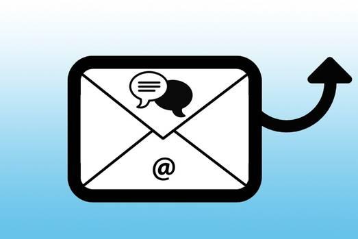 """Unterhaltung per Mail versenden  Android: Halten Sie den Eintrag des Chatpartners in der Übersicht gedrückt und wählen Sie """"Chat per E-Mail senden"""". Schon befinden sich der Chat als Textdatei sowie alle verschickten Medien im Anhang einer frisch geöffneten Mail.  iPhone: Wählen Sie innerhalb des Chats, den Sie verschicken möchten, den Namen des Gesprächs-Partners und wählen Sie """"Chat per E-Mail"""". Nun müssen Sie nur noch entscheiden, ob Sie die geteilten Medien anhängen möchten oder nicht."""