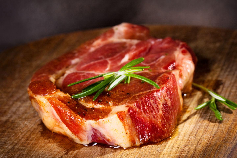 Steak ist im Hinduismus sowieso tabu, ab sofort ist es aber auch illegal. Im Bundesstaat Maharashtra in Indien wurde ein entsprechendes Gesetz verabschiedet.