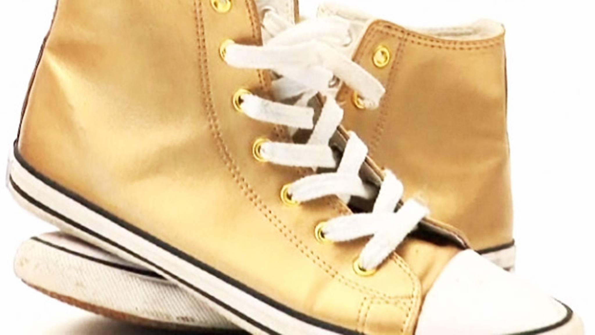 Schuhe putzen: So pflegen Sie Sportschuhe