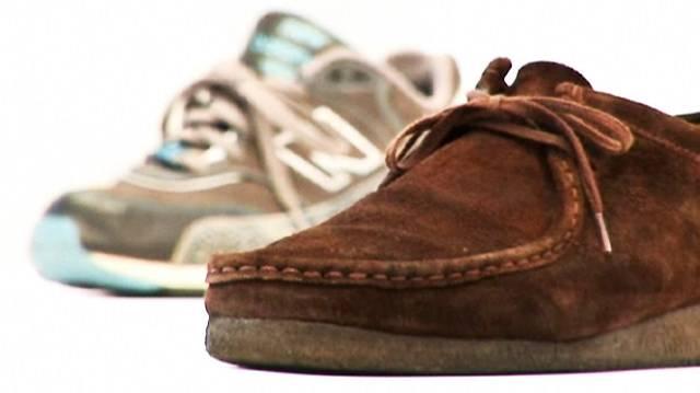 Schuheputzen leicht gemacht: Shampoo macht müde Treter munter