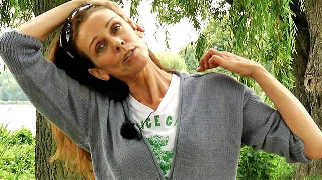 Die kleine Yogapause: So bekämpfen Sie den Nackenschmerz