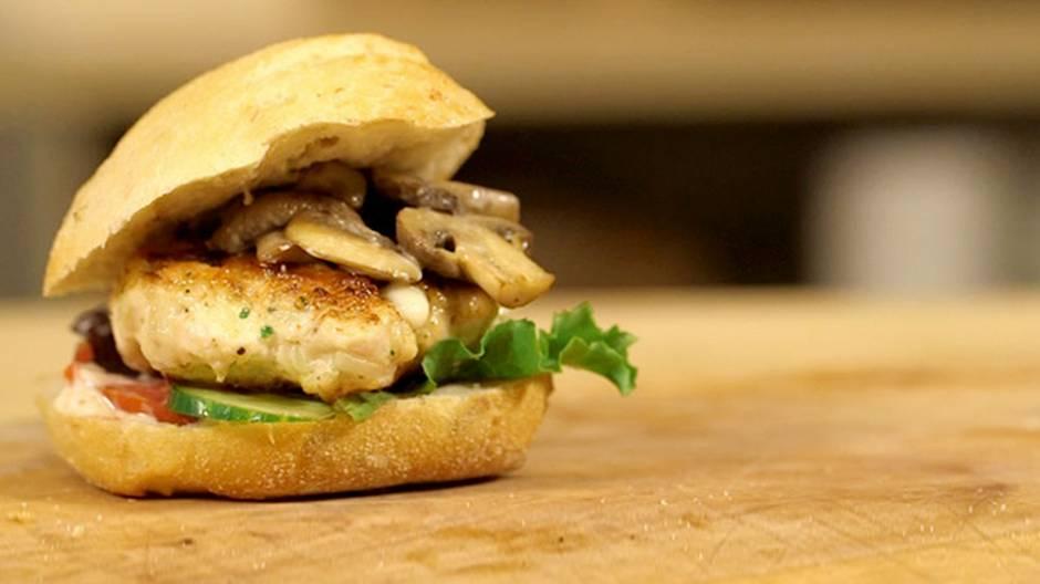 Schritt-für-Schritt-Anleitung: So gelingt ein köstlicher Chicken Burger