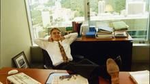 Lars Windhorst 1995 ganz relaxed in seinem Büro in Hongkong