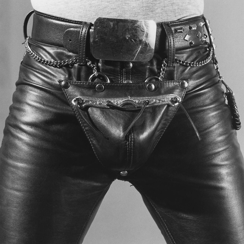 Deutlich unter die Gürtellinie ist der Blick auf diesem 1980 entstandenen Foto gerichtet.