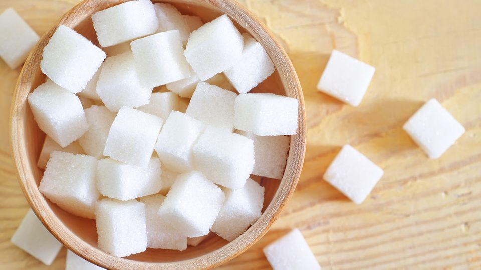 Süße Sünde: Zucker schmeckt - macht in großen Mengen aber dick und verursacht Karies