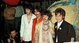 """Am 25. Juni 1967 stellten die Beatles einen neuen Rekord auf: Als erste Band nahmen sie ein Lied während einer weltweiten Fernsehübertragung auf. Es sahen 600 Millionen Zuschauer zu, wie die Fab Four """"All You Need Is Love"""" sangen"""