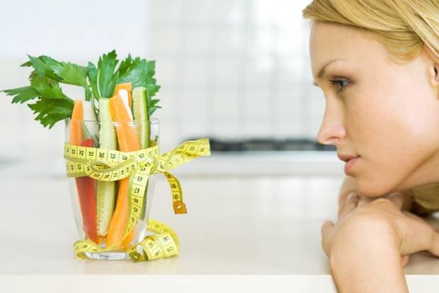 Wer dauerhaft abnehmen will, muss vor allem eins: weniger essen, als man verbraucht