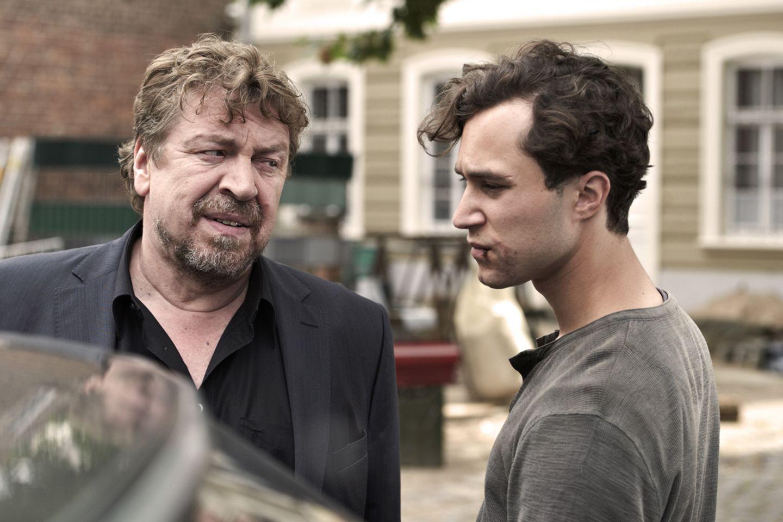 Vater (Armin Rohde) und Sohn (Ludwig Trepte)