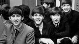 Ringo (r.) mit seinen Bandkollegen George Harrison, Paul McCartney und John Lennon (v. l.). Dass aus ihm einmal der berühmteste Schlagzeuger der Welt werden würde, war bei seiner Geburt alles andere als wahrscheinlich