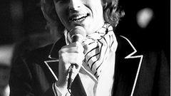 Am Anfang seiner Karriere fungierte Gottschalk kurzzeitig sogar als Nachrichtensprecher. Doch der junge Journalist fiel schnell durch seine flotten Sprüche und seine Spontaneität auf. 1979 moderierte er die deutsche Endausscheidung für den Grand Prix, der in Jerusalem stattfand.