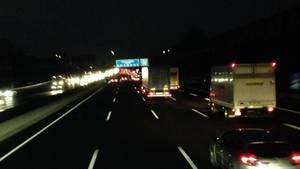 Im Dunkeln auf der Autobahn – pure Meditation