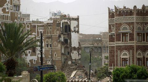 Bei Luftangriffen auf historische Gebäude in Jemens Hauptstadt Sanaa sind nach Berichten von Augenzeugen mindestens sieben Zivilisten getötet worden