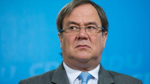 Eine Affäre um verschwundene Klausuren und merkwürdige Noten belastet zusehends den Chef der NRW-CDU Armin Laschet
